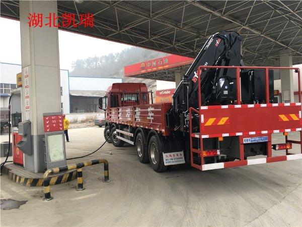 32吨重汽国五易胜博注册车后45°